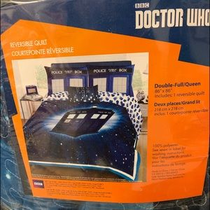 Other - DOCTOR WHO Reversible Quilt Full/Queen